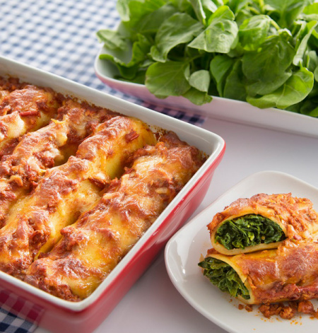 Cheesy Spinach Lasagna Roll